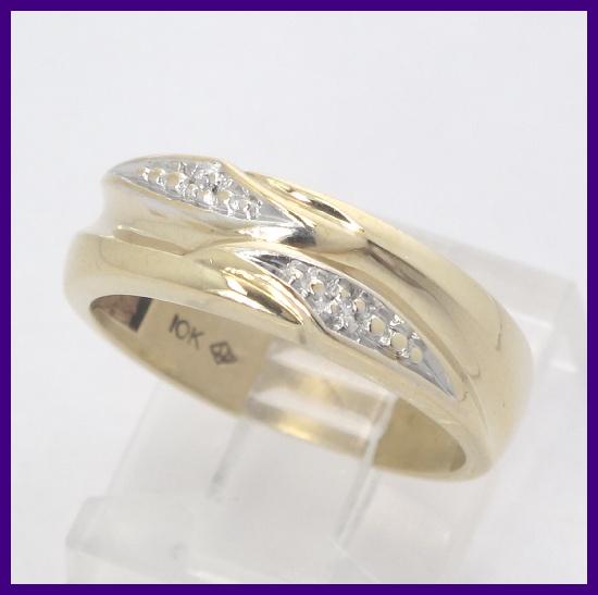 10k Yellow Gold Round Diamond Right Hand/Wedding Band Ring